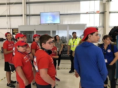 PSA Recruiting and Maintenance Teams Teaching Air Camp Goers about Aviation